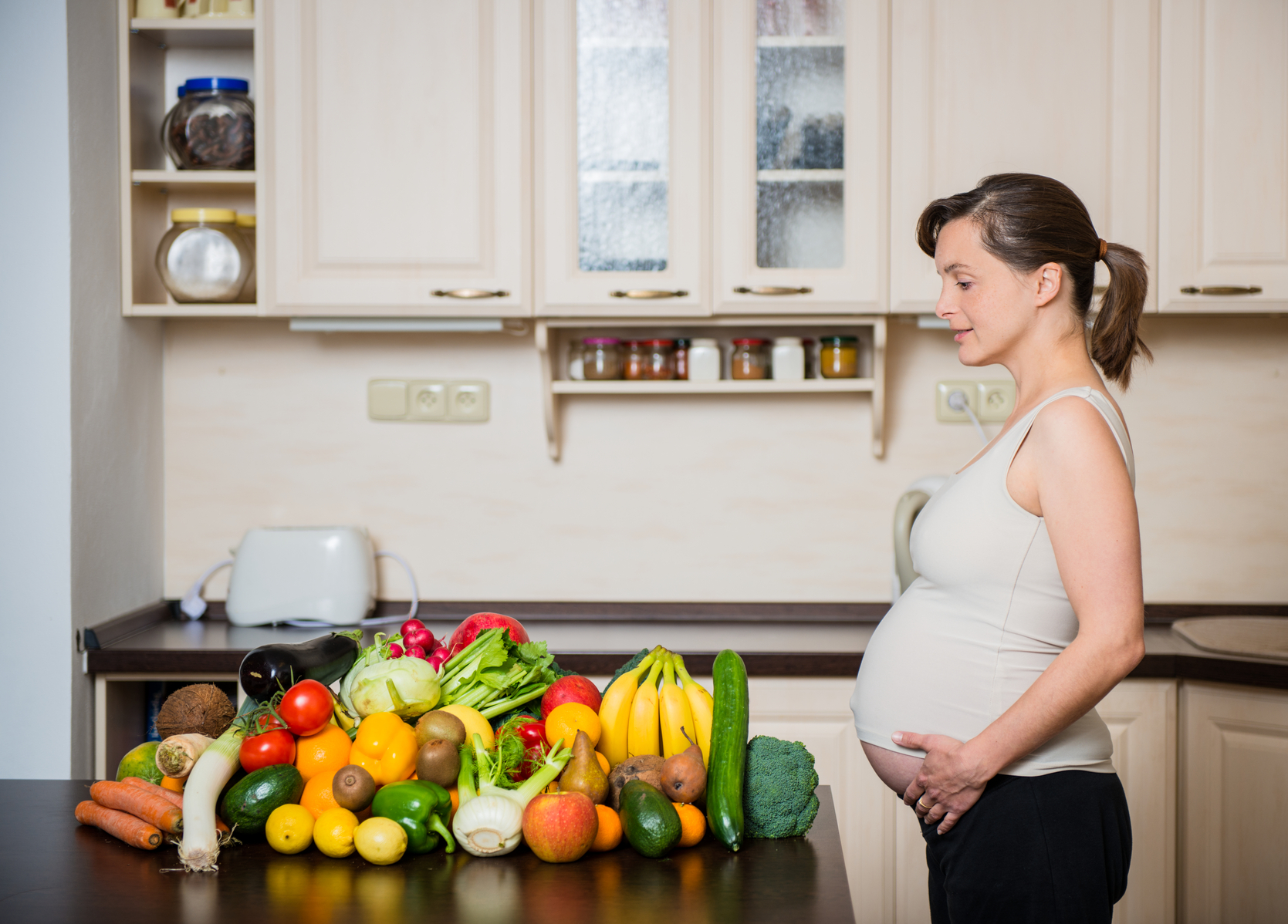 What Really Causes Pregnancy Cravings? | Psychology Today
