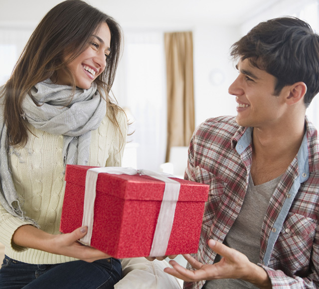 what gifts do guys like from their girlfriends