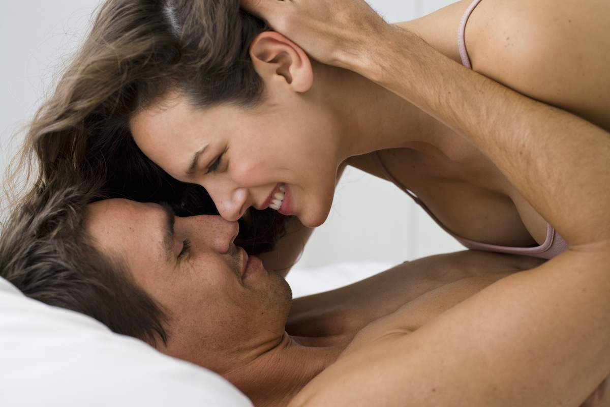 4 the strangest sex poses that can not be practiced without laughing