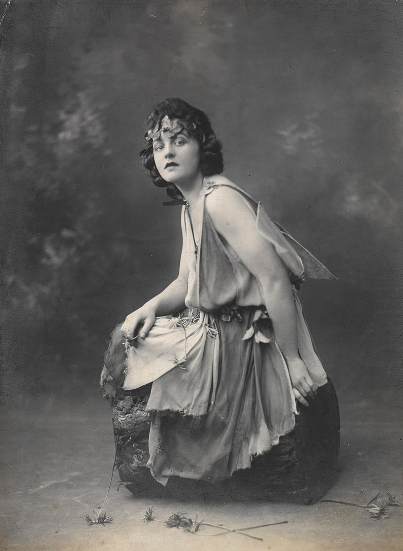 """Mary Poppins"" author P.L. Travers in a production of Shakesepeare's ""A Midsummer Night's Dream"""