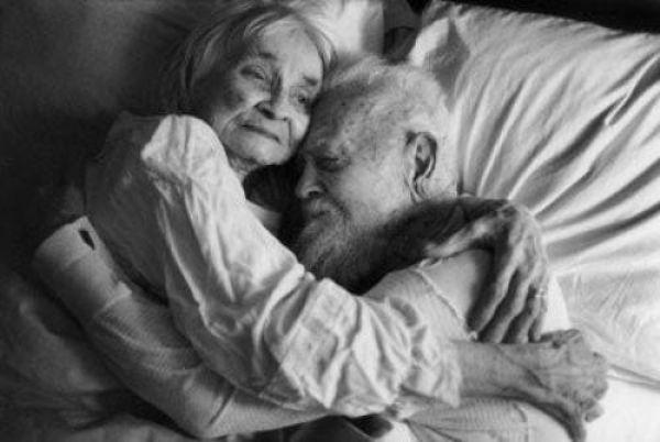 https://cdn.psychologytoday.com/sites/default/files/field_blog_entry_images/old_couples_in_love.jpg