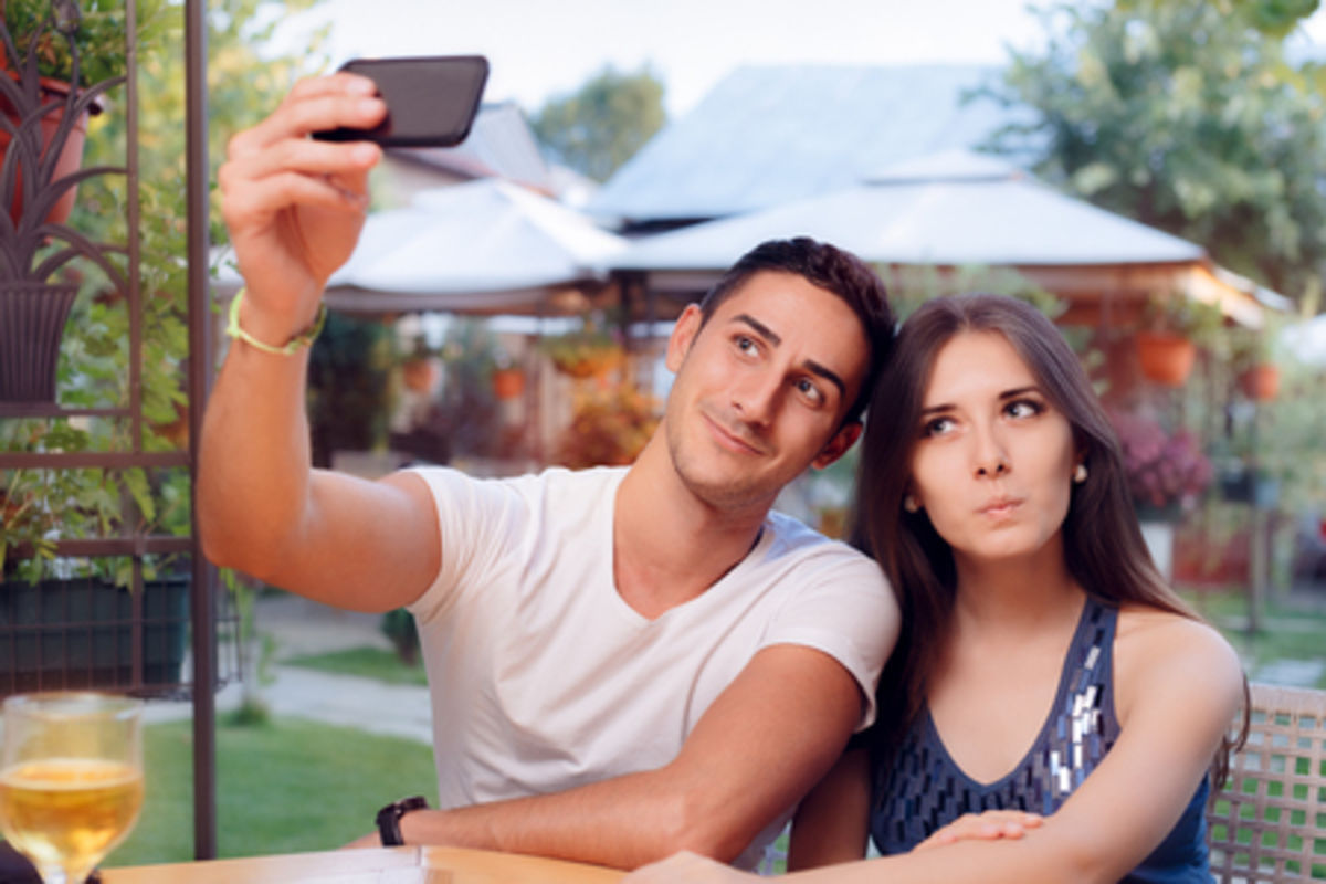 In Love With a Narcissist? 6 Ways to Make It Work