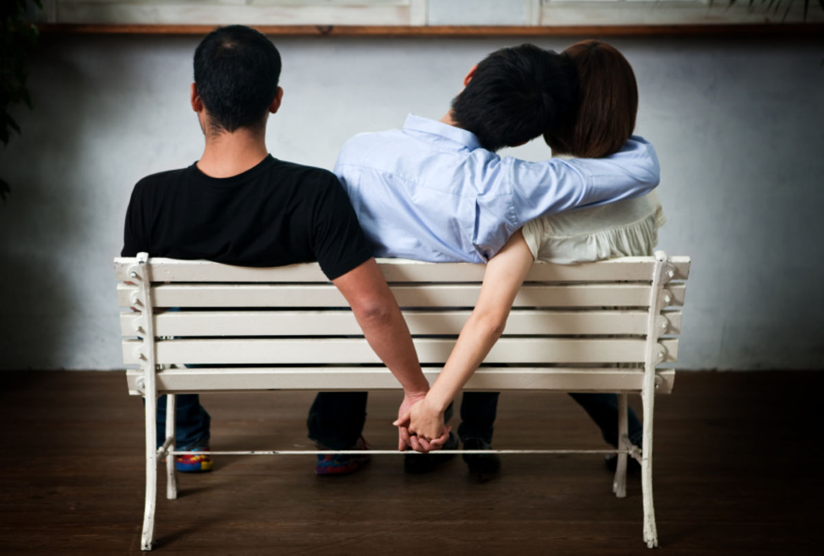 How Couples Can Survive Cheating (And Why They Even Try