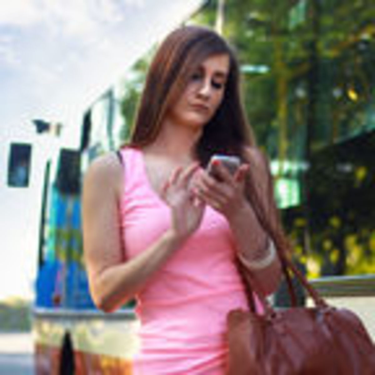 Is Constant Texting Good or Bad for Your Relationship