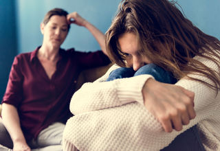 12 Clues a Relationship with a Parent Is Toxic | Psychology Today