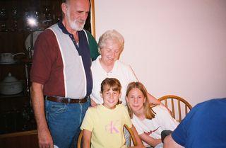 Grandparents and Grandchildren by Rickpilot 2000 CC by 2.0