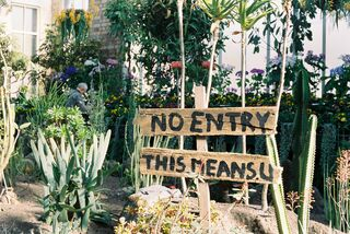 NO ENTRY Annie / Unsplash