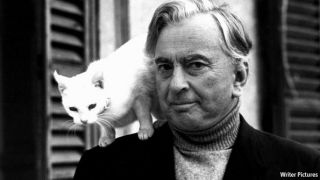 gore vidal with white cat