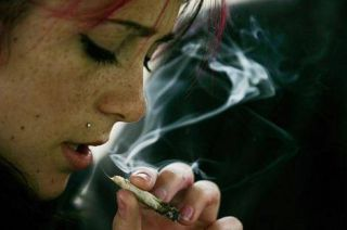 Fact that teen smoking girls