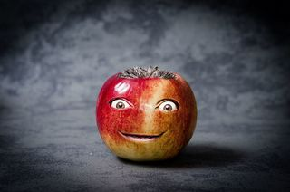 Niko Andronikos; Apple with Smiling Face; Pixabay