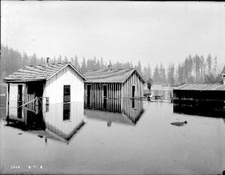 Flood at Cedar Lake 1915 by Seattle Muncipal Archives Flickr Licensed Under CC BY 2.0