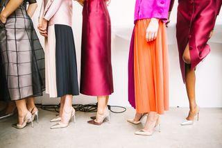 https://pixabay.com/en/high-heels-shoe-footwear-clothing-2561844/