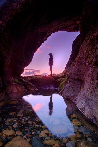 Photograph by Luke Leung. Copyright free. Unsplash