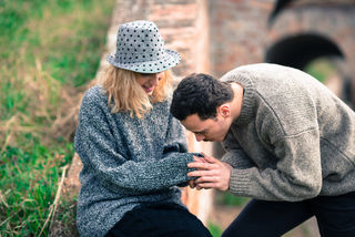 4 Signals That Your Partner Wants to Make Amends