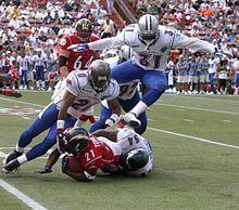 2006 Pro Bowl tackle.jpg