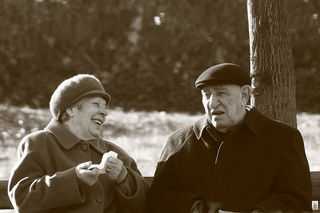 """Old People On Bench""/Giacomo/Flickr"