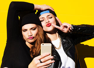 01770bcb2d155 Do Young People Feel the Need to Be Selfie-Ready? | Psychology Today