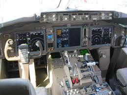 Boeing 767 Cockpit, by KDTW Flyer, CC