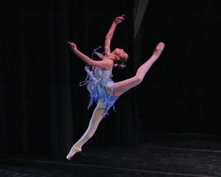 Grace in Winter, Contemporary ballet, Creative Commons. Movement invigorates.