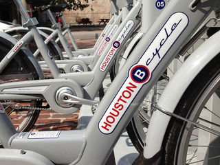 Market Square B-cycle Station by Adam Baker Flickr Licensed Under CC BY 2.0