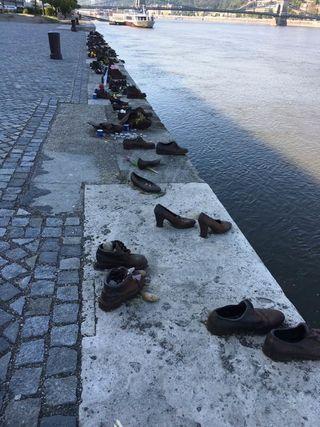Shoe Memorial/Seaburn