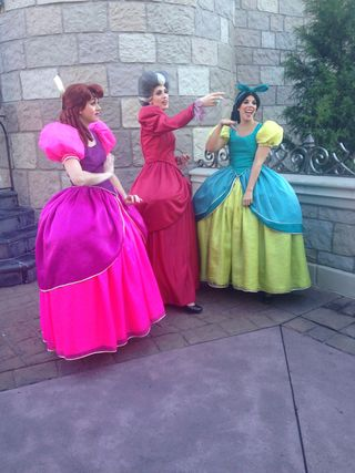 Flickr, WDW Wicked Stepsisters and Wicked Stepmother by Amy