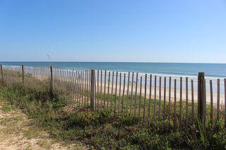 https://pixabay.com/en/fence-beach-ocean-scenic-2150852/