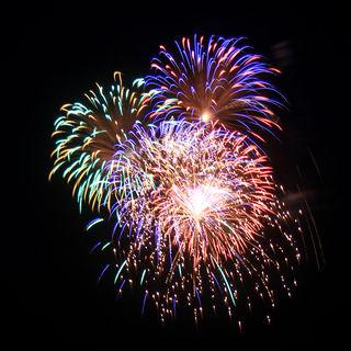 https://www.google.com/search?site=&tbm=isch&source=hp&biw=1366&bih=586&q=fireworks&oq=fireworks&gs_l=img.3..0l10.173816.176972.3.177271.9.8.0.1.1.0.149.1129.0j8.8.0....0...1ac.1.64.img..1.41.4076.9SGcqdSF7zU#imgrc=8aOHebKdPxP6VM%3A
