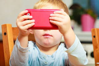 Kids Turn To Screens To Cope With >> What Screen Time Can Really Do To Kids Brains Psychology Today
