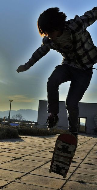 Skateboarding/Pixabay