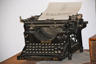 https://pixabay.com/en/typewriter-writing-vintage-type-1048491/