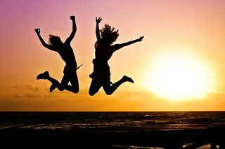 https://pixabay.com/en/youth-active-jump-happy-sunrise-570881/