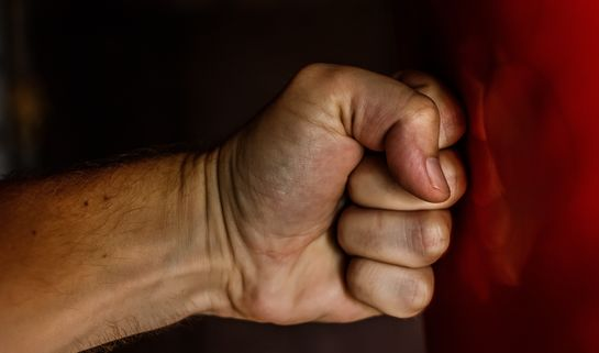Punching Fist / Pexels