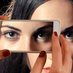https://pixabay.com/en/smartphone-face-woman-eyes-view-1445448/