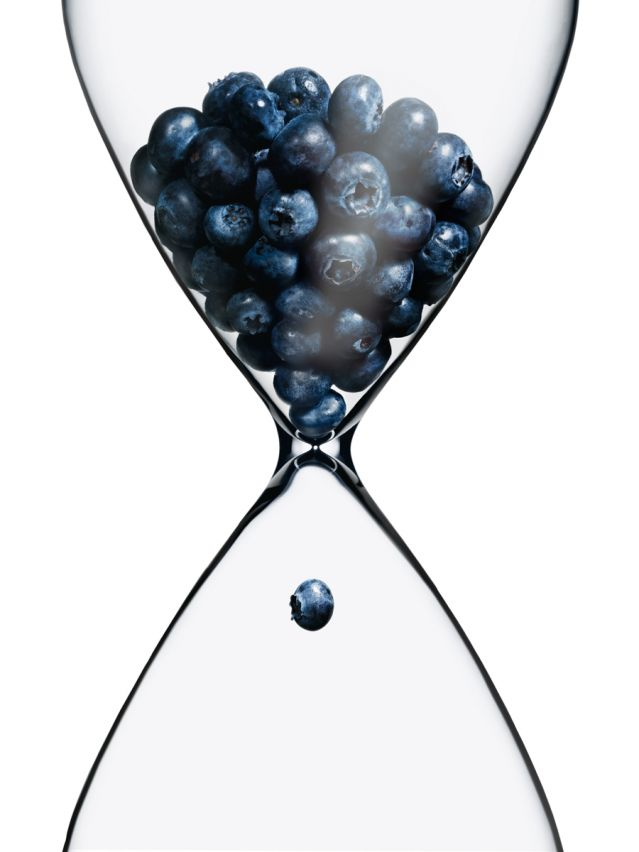 Blueberries in an hourglass