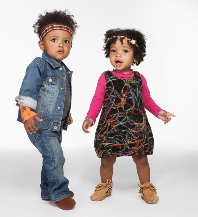 2 Babies dressed in the same style-friends