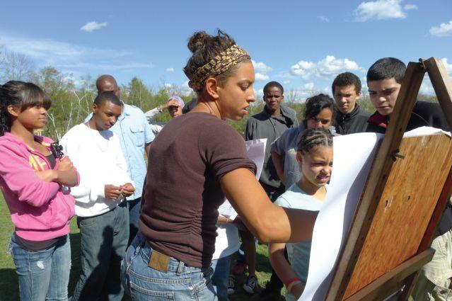 Leah Penniman giving children farm tour