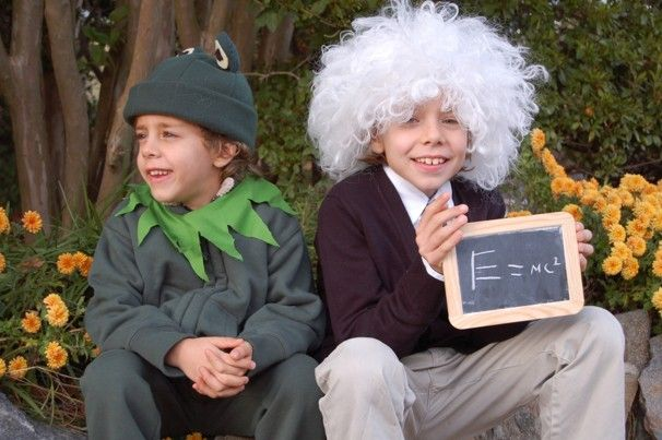 kids dressing up like einstein