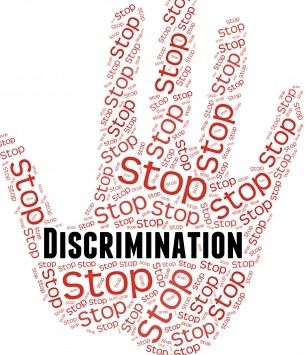 de facto discrimination example
