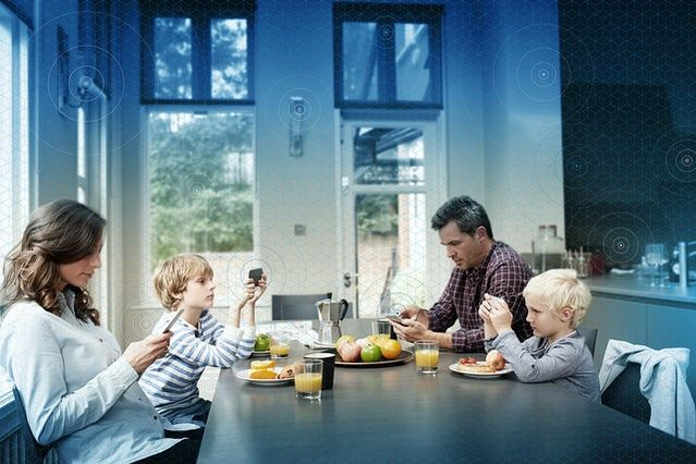 Turn Off That Smartphone, Mom and Dad! | Psychology Today
