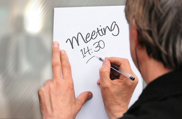 """How to Avoid """"Death by Meeting"""" in the Workplace"""