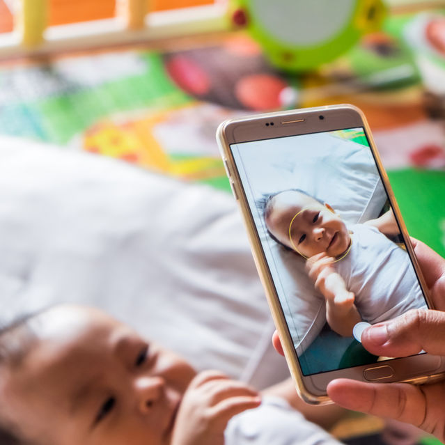 Should You Share Images of Your Kids Online?   Psychology Today
