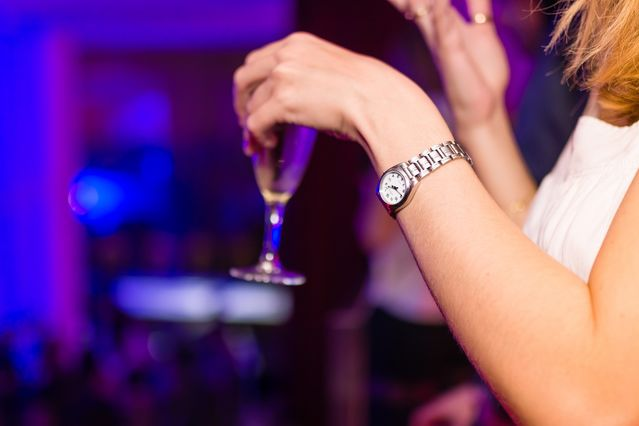 How Do We View Social Drinkers? - Psychology Today