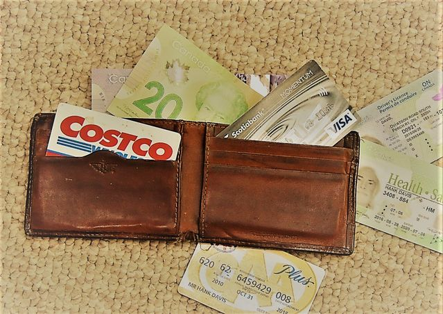 It's Hard to Cope with a Lost Wallet | Psychology Today