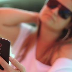 Do Selfies Make Us Self-Conscious?