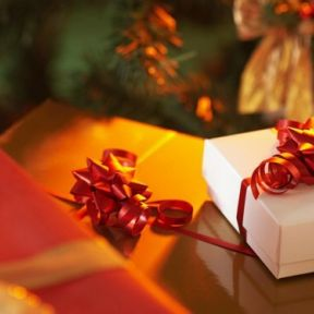 Give Christmas Gifts which Boost Happiness