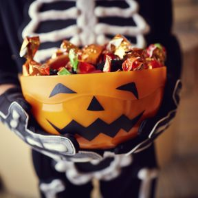 The 9 Best Ways to Avoid Overeating Halloween Candy
