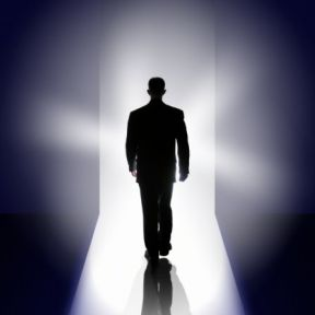 """""""Go Toward the Light"""": The Science of Near-Death Experiences"""