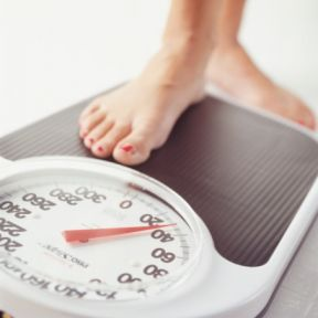 When Less Information Is More: Why Vague Feedback Helps Weight Loss