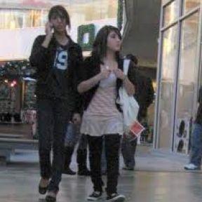 Cellular Etiquette for Teens